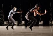 Le danseur JeremyCoachman, à l'avant-plan... (Photo EdouardPlante-Fréchette, La Presse) - image 2.0