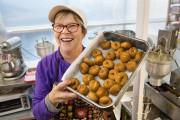 Les beignets de Claire Croteau: un classique du... (Photo Robert Skinner, La Presse) - image 2.0