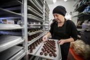 Chloé Gervais-Fredette, propriétaire des Chocolats de Chloé, travaille... (Photo Olivier Jean, La Presse) - image 4.0