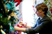 Caroline Doucet, qui dirige la boutique Noël éternel,... (Photo David Boily, La Presse) - image 6.0