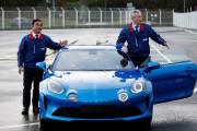 Carlos Ghosn (à g.) lors de l'inauguration de... - image 1.0