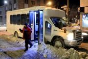 Gaston quitte le minibus de la mission Old... (PHOTO BERNARD BRAULT, LA PRESSE) - image 2.0