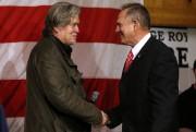 Roy Moore et Steve Bannon lors d'un rallye... (REUTERS) - image 2.0