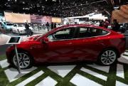 Une Tesla Modèle 3 exposée au Salon de... - image 3.0