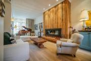 Grand, le salon profite maintenant d'un espace pour... (PHOTO FOURNIE PAR ROYAL LEPAGE HÉRITAGE) - image 1.0