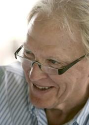 Dan Gurney lors d'une séance d'autographes le 27... - image 3.0