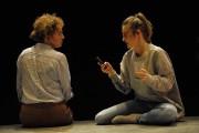 Macha Limonchik et Christine Beaulieu dans Nyotaimori... (Photo Valérie Remise, fournie par le Théâtre d'Aujourd'hui) - image 2.0