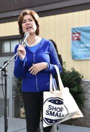 Le groupe d'investisseurs est mené par Maria Contreras-Sweet,... (Photo archives AP) - image 1.0
