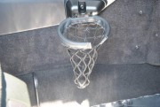 Fini le porte-gobelet de basketball. Photo: Mercedes... - image 3.0