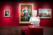 Derrière le buste de l'impératrice Joséphine sculpté dans... (Photo Marco Campanozzi, La Presse) - image 3.0