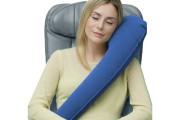 D'une forme bien originale, le coussin gonflable Travelrest... (Photo fournie par le détaillant) - image 5.0