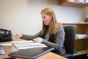 Karine Dessureault, intervenante socialeà la DPJ de l'Abitibi-Témiscamingue... (PHOTO OLIVIER JEAN, LA PRESSE) - image 1.1