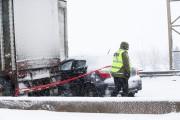 Un carambolage sur l'autoroute 20 Ouest à la... (Photo Martin Tremblay, La Presse) - image 1.1