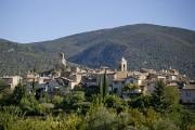 Lourmarin est bordé par les montagnes du Luberon.... (Photo David Boily, La Presse) - image 2.0
