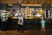 L'Antico Caffè San Marco... (Photo Robert Skinner, La Presse) - image 2.0