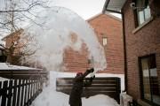 Lancer de l'eau bouillante à grand froid.... (Photo David Boily, La Presse) - image 3.0
