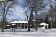 Vue de l'arrière de la maison en hiver.... (Photo fournie par Royal LePage Héritage) - image 1.0