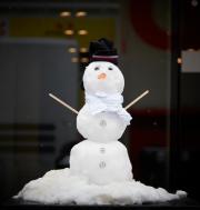Karl le bonhomme de neige Mercedes. Photo compte... - image 2.0