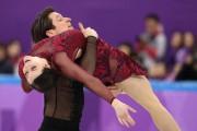 Tessa Virtue et Scott Moir, du Canada, durant... (Photo John Sibley, Reuters) - image 1.1