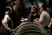Guillermo del Toro (deuxième à droite) sur le... (Photo fournie par 29th Century Fox) - image 1.0
