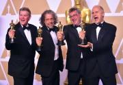 Richard R. Hoover, Paul Lambert, Gerd Nefzer et... (AFP) - image 2.0