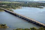 Le pont de l'Île-aux-Tourtes.... (PHOTOYVES TREMBLAY, PHOTOHELICO.COM, COLLABORATION SPÉCIALE) - image 2.0