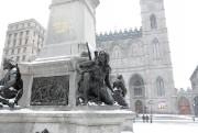 Le Monument à Maisonneuve a été érigéen1895 au... (Photo MartinChamberland, La Presse) - image 1.1