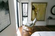 Un fauteuil berçant judicieusement disposé invite à la... (Photo François Roy, La Presse) - image 6.0