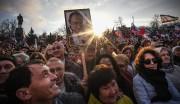Des partisans deVladimir Poutine se sont réunis en... (AFP) - image 2.0