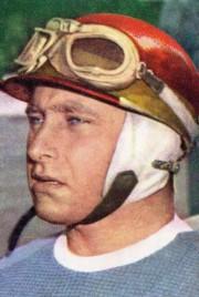 Le légendaire pilote argentinJuan Manuel Fangio. Photo Wikipédia... - image 1.0