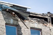 Un mur de brique partiellement effondré.... (Photo Olivier PontBriand, Archives La Presse) - image 2.0