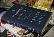 Le livre de James Comey est déjà un... (Photo AP) - image 2.0