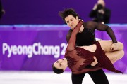 Les patineurs Tessa Virtue et Scott Moir aux... (Photo Paul Chiasson, archives La Presse Canadienne) - image 5.0