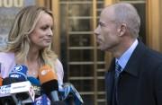Stormy Daniels et son avocat Michael Avenatti ont... (AP) - image 9.0