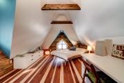 La belle grande chambre de Simone est sous... (Photo Re/Max 2001) - image 2.1
