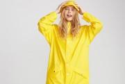Ce manteau de la marque danoise Rains est... (PHOTO FOURNIE PAR SIMONS) - image 6.0