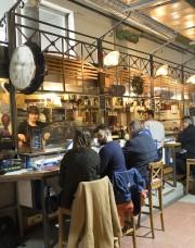 L'un des nombreux restaurants de Sète où l'on... (PHOTO MICHEL AUGENDRE, COLLABORATION SPÉCIALE) - image 5.0