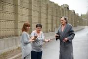 Les résidants Danielle Violette, Nancy Hutchison et Andrew... (Photo MartinChamberland, La Presse) - image 3.0