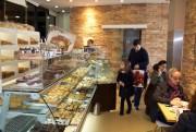 La pâtisserie-boulangerie Padaria Ribeiro, dans le quartier Foz... (Photo Nathaëlle Morissette, La Presse) - image 2.0