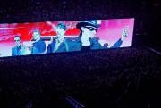 Un immense écran rectangulaire occupait le centre du... (Photo André Pichette, La Presse) - image 1.0