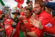 Sebastian Vettel a célébré sa victoire avec les... (PHOTO OLIVIER JEAN, LA PRESSE) - image 1.0
