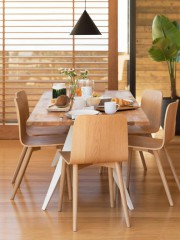 Table Mesa, chaises Tami et suspension Cone, collection... (Photo fournie par EQ3) - image 2.0