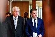 Horst Seehofer a affiché mercredi sa complicité avec... (AFP) - image 3.0