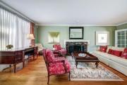 Le salon est gratifié d'un foyer, un âtre... (Photo fournie par Royal LePage Héritage) - image 3.0