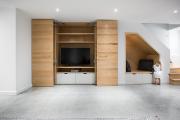 Les portes coulissantes fermées dissimulent le meuble multimédia... (Photo : Amielle Clouâtre) - image 2.0