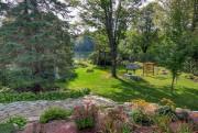 Le petit lac Colette borde le terrain du... (Photo fournie par Profusion Immobilier R.B.) - image 3.0