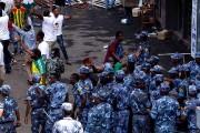 Les forces policières sont intervenues après l'explosion d'une... (PHOTO YONAS TADESE, AGENCE FRANCE-PRESSE) - image 1.0