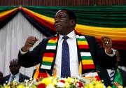 Le président duZimbabwe Emmerson Mnangagwa... (PHOTO Philimon Bulawayo, ARCHIVES REUTERS) - image 1.0