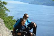 Selma Ferdjioui avec son papa, en randonnée à... (Photo : Collection personnelle Zoheir Ferdjioui & Amel Tnani) - image 1.0