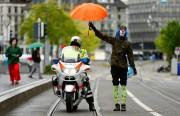 Les éditions Lonely Planet accusent les policiers suisses... (PhotoArnd Wiegmann, Archives Reuters) - image 1.0